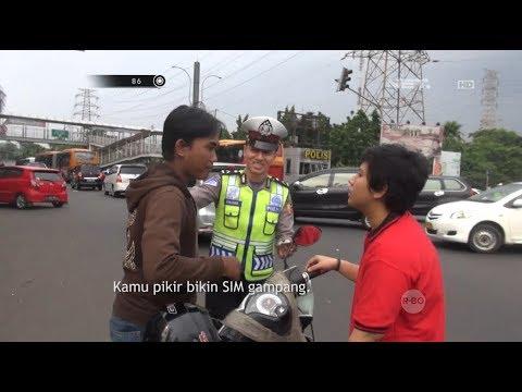 Gara-gara Ditilang, Dua Sahabat Ini Malah Berantem Depan Polisi - 86 Mp3