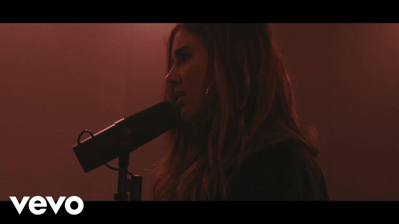 Riley Clemmons - Broke (Acoustic)