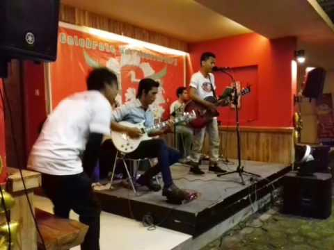 D'Mayer - Radio ( Sheila On 7 Cover )