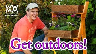 Make this fun outdoor planter for $20 with limited tools.