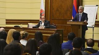 Սերժ Սարգսյանը հյուրընկալվել է ՀՀԿ քաղաքական դպրոցում