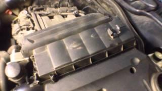 Mercedes-Benz S320 (W220) замена воздушного фильтра двигателя(, 2014-12-28T17:09:48.000Z)