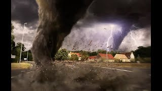 Top 10 Tornadoes and Hurricanes Caught on Camera