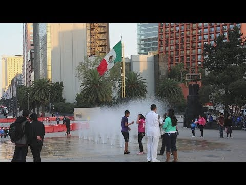 """""""Dreamers"""" in the U.S. are returning to Mexico on their own"""