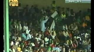 Abdul Razzaq 112 Salim Elahi 135 vs South Africa 2002
