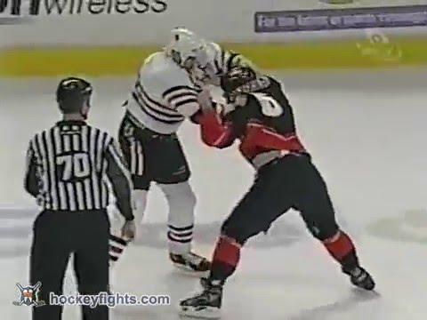 Chris Simon vs Chris Tamer - YouTube 4174d31ba032