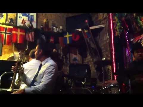 Bar in New Orleans!! Live Music on Bourbon Street