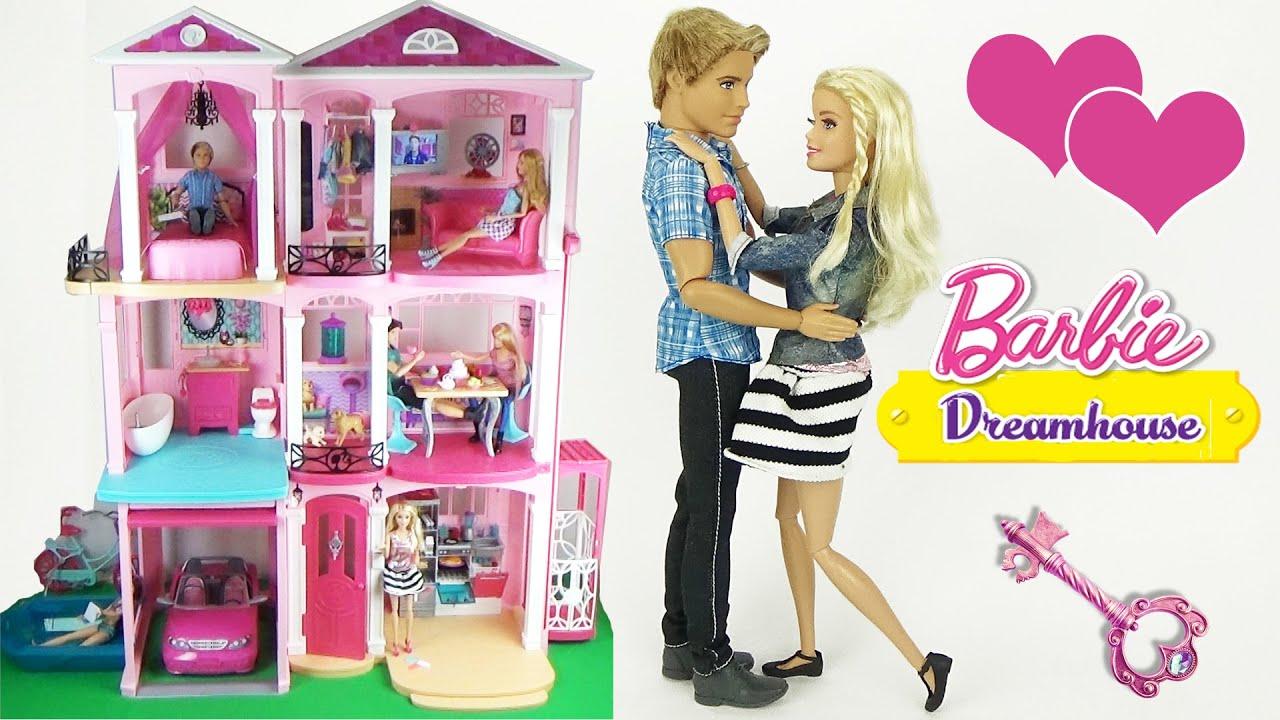 В нашем интернет-магазине вы найдете игрушечные домики для кукол даже для самых взыскательных принцесс. Кукольный домик для барби – вдохновение, 16 предметов мебели, 2 лестницы (paremo,. Дом для барби роскошный дизайн luxury с мебелью и интерактивом (kidkraft, 65871_ke.
