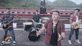 Download Bian Gindas - 100% Kangen (Official Music Video)