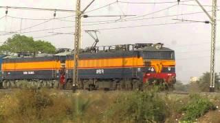 15018 Gorakhpur - LTT Mumbai Kashi Express with twin KYN WCAM3