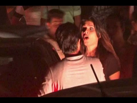 Gurgaon: Two Transgenders Create Ruckus On Road Over Cars Clash