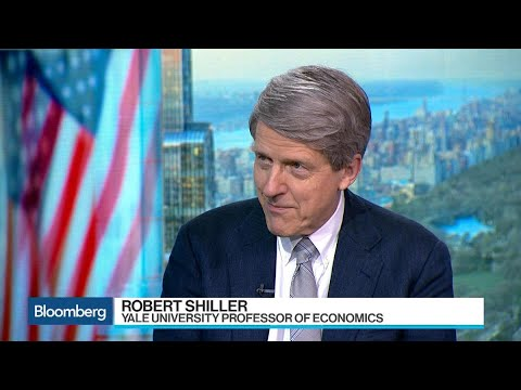 Shiller Says 'Investors in Bitcoin Are Having Fun'