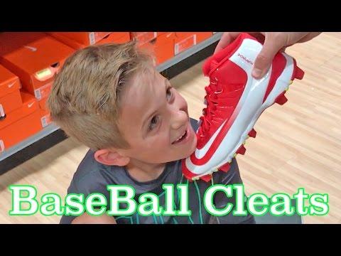 Kids BaseBall Equipment Shopping For New Baseball Cleats Nike Huarache For Travel Baseball