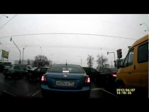 Пробка на перекрестке ул.Ясеневой и Каширки.AVI