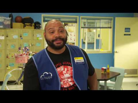 SUPERSTORE SEASON 2 PREMIERE (COLTON DUNN) INTERVIEW