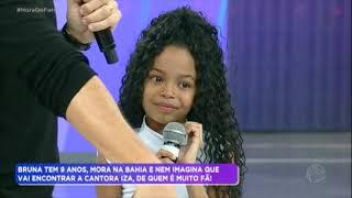 Conheça a pequena Bruna, de 9 anos, que é fã da cantora Iza
