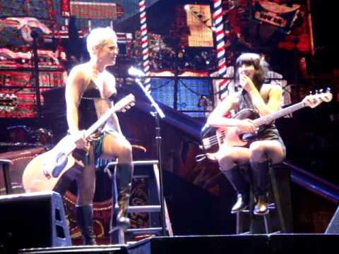 Pink get suprised by her husband Carey Hart on Stage Norway