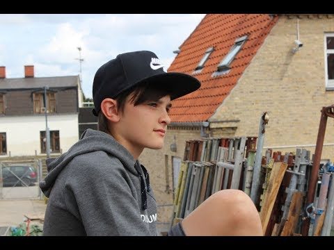 EDWARD - ATOMBOMBE | Officiel Musikvideo
