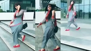 Pakiatani Sexy Girl In Emporium Mall Lahore