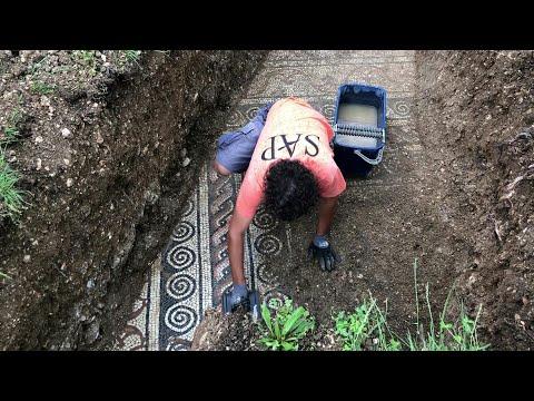 afpbr: Mosaico romano descoberto | AFP