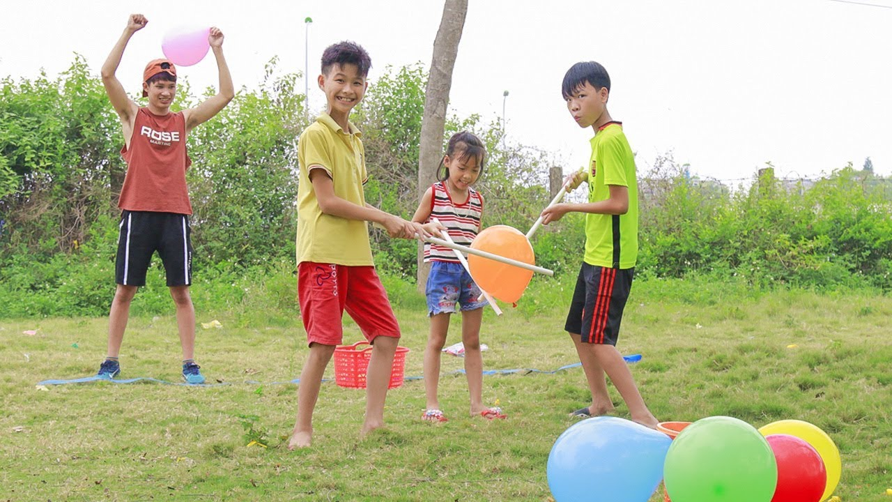 Kids Go To School Play Move Balloons Group Hilarious Balloon Popping Children Song