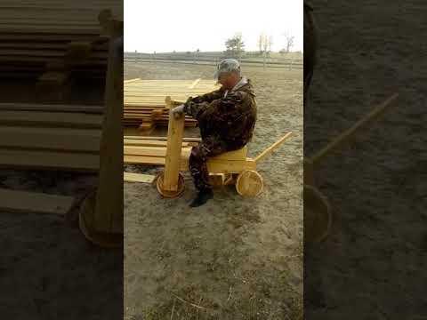 Деревянный мотоцикл