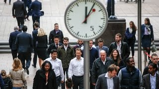 UK economy to go into recession then grow in 2017