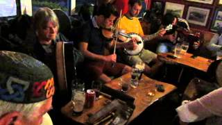 Folk session at Tigh Ned on Inis Oirr - Craiceann 2013 video notes