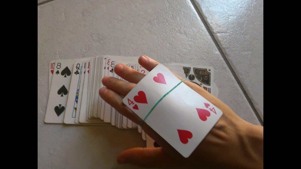 Spiegazione Tutorial Card Trap rubber band card trick revealed magia con elastico e carta