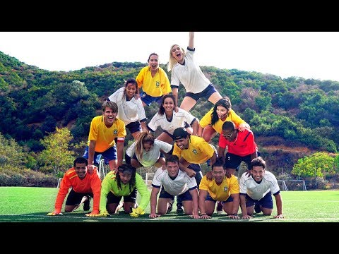 Thumbnail: Terrible Soccer Players | Lele Pons