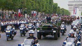 Владимир Путин поздравил Эммануэля Макрона с Днем взятия Бастилии.