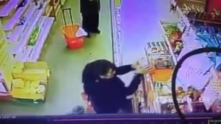 Robo de mecheras en supermercado de Avenida San Martín
