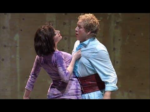 Boulotte's entrance scene (Barbe-Bleue/Blaubart) - Elisabeth Kulman