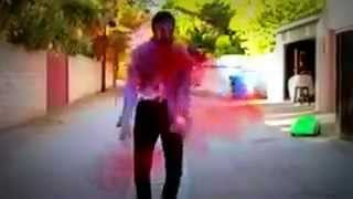 Зомби танцует