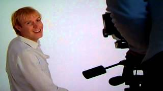 Rhys Ifans-behind The Scenes-danny Deckchair