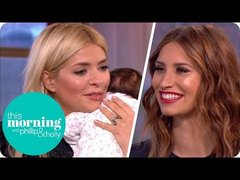 Holly Meets Ferne McCann's New Baby Girl! | This Morning