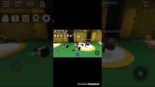 That guy has so many bees!!! - Roblox: Bee Swarm Simulator Part 1