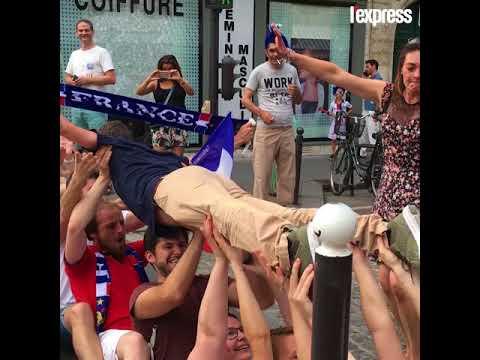 Paris célèbre le sacre des Bleus