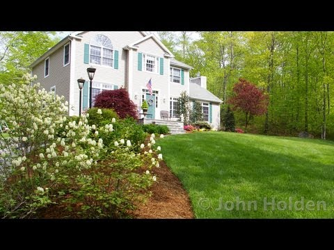 Landscape designer monroe ct front yard landscape design for Colonial landscape design