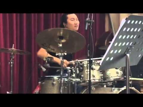 Tốt Nghiệp Nhạc Viện - Trống Jazz Trương Chính solo cực phê