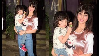 Video Ayesha Takia's LATEST Pictures With Her Cute Son download MP3, 3GP, MP4, WEBM, AVI, FLV Juli 2018