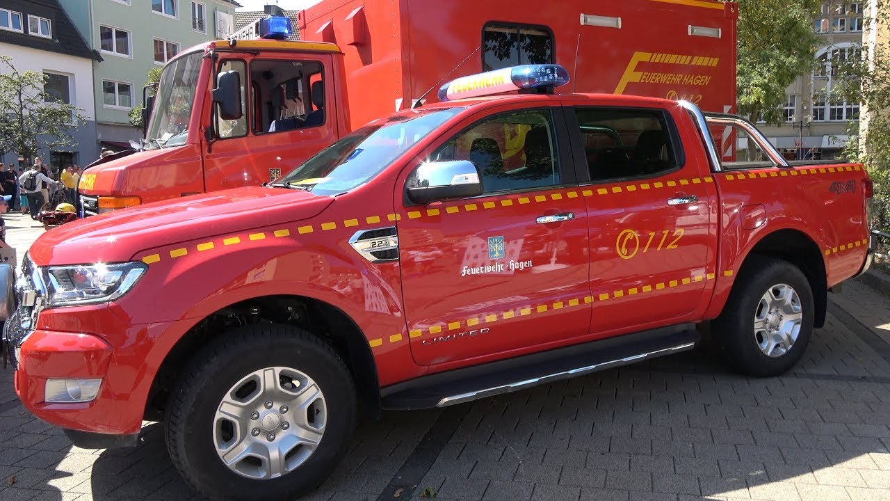 1. Hagener Blaulichttag - u.a. Unfallsimulation, Polizeihunde ...