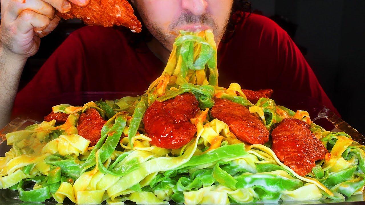 ASMR Buffalo Chicken Fettuccine Alfredo ! NO FORK !  NO TALKING | Nomnomsammieboy