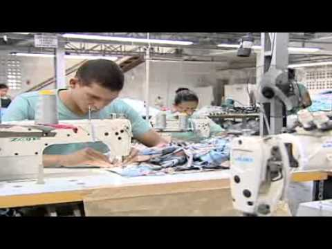 f7191520cfbb Procura-se costureira: empresas oferecem curso para formar mão de obra  especializada - YouTube