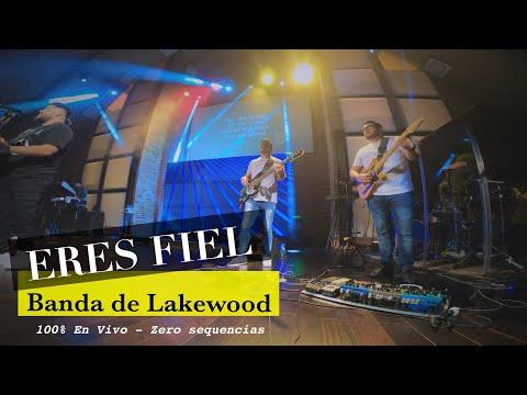 VIENTO DILE A LA LLUVIA / LA BANDA GERIATRICA from YouTube · Duration:  3 minutes 38 seconds
