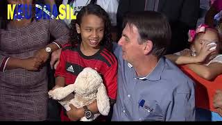 Presidente Bolsonaro em visita à menina Yasmin na Cidade Estrutural DF