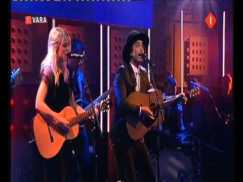 "Ilse Delange en Waylon The Common Linnets met "" Calm After The Storm "" voor het zongfestival 2014"