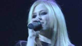 Avril Lavigne - Unwanted Bonez Tour