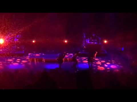 Underdog - Banks live at eventim Apollo, London, UK
