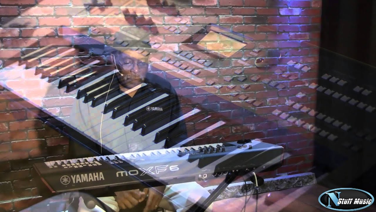 yamaha moxf6 61 note midi keyboard an in depth look with phil clendeninn youtube. Black Bedroom Furniture Sets. Home Design Ideas